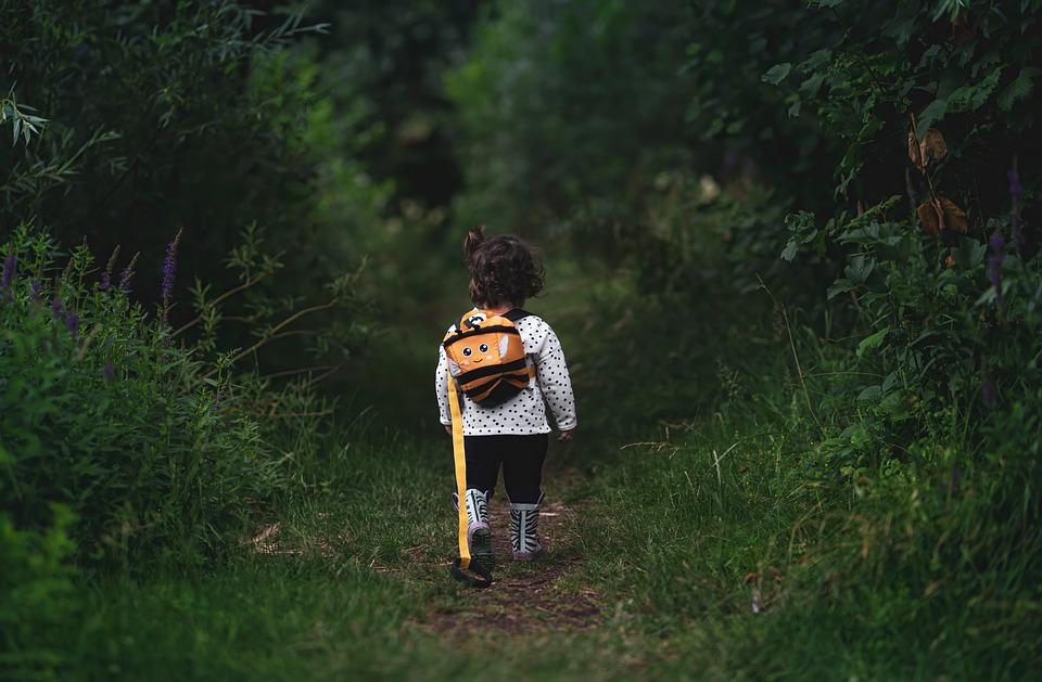 dítě na cestě