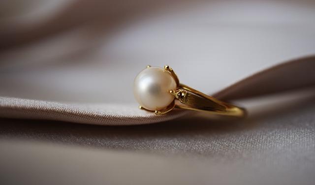 prsten s perlou.jpg