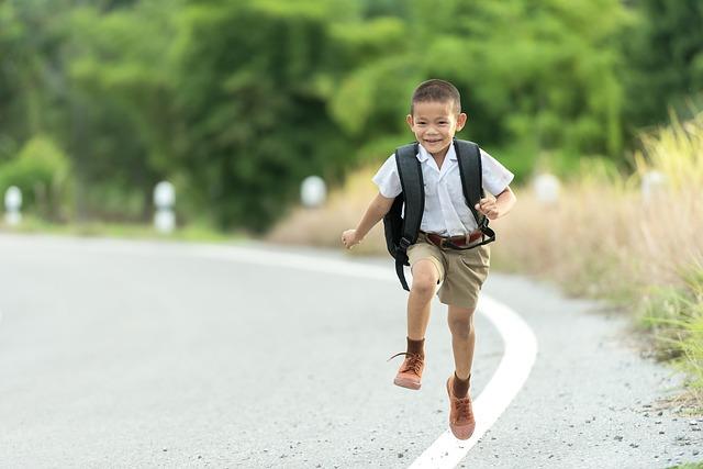 školák na silnici