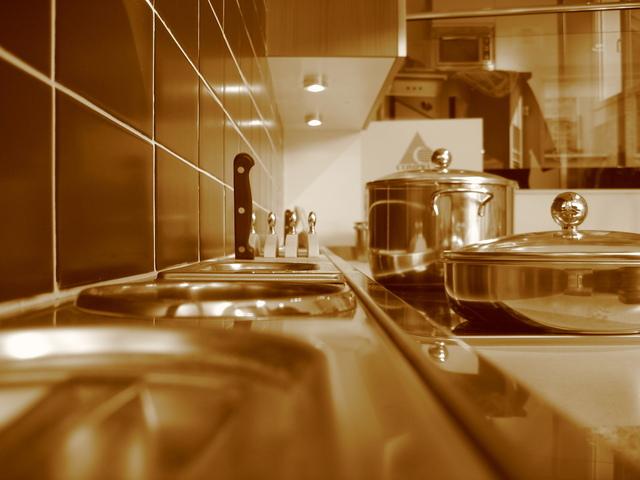 LED halogeny v kuchyni