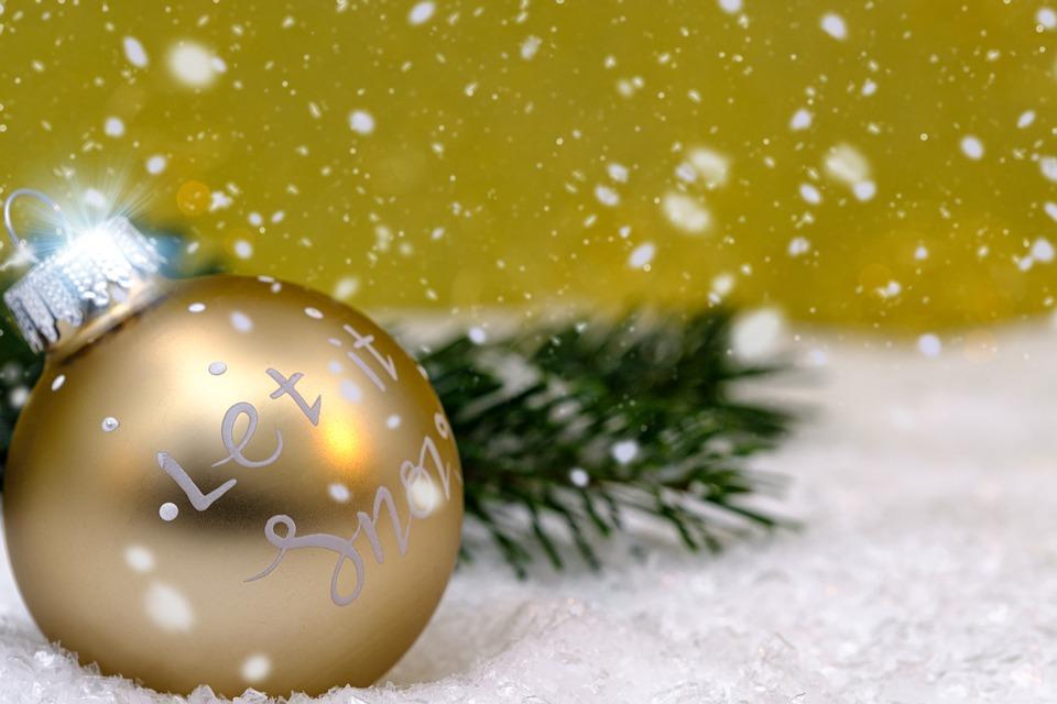 koule ve sněhu