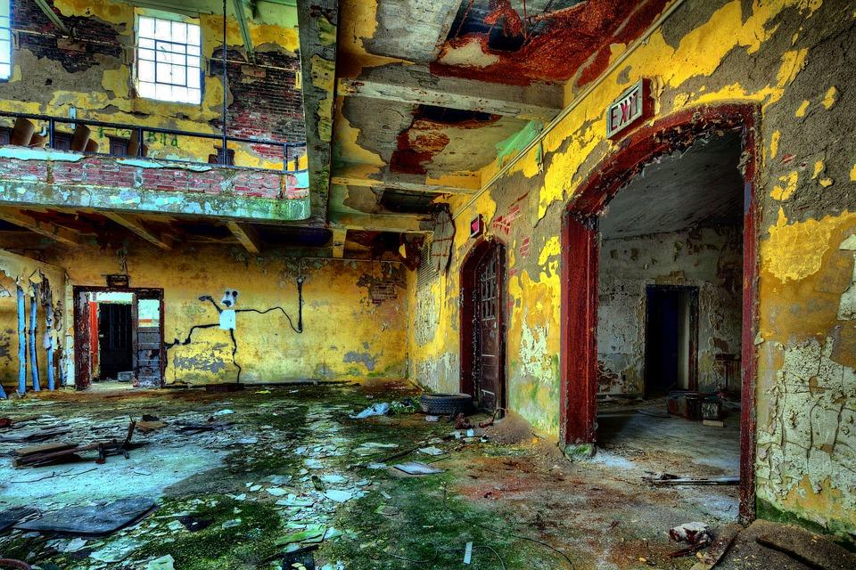 vybydlená ruina